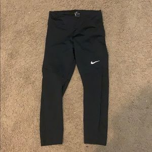 Women's Nike Dry Fit Cropped Leggings